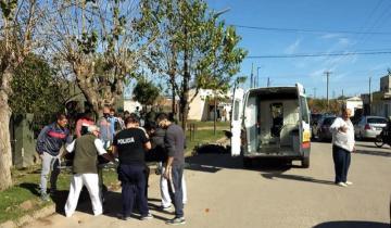 Imagen de Ingresaba a su casa con el auto en Dolores y lo chocó una moto: un herido
