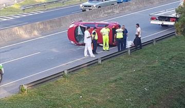 Imagen de Otro fuerte choque y vuelco en la Ruta 2 cerca de Dolores