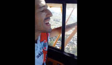 Imagen de El avión de la playa gozó a los de Boca: relato del tercer gol de River y los hinchas en la playa imitaron al Pity Martínez