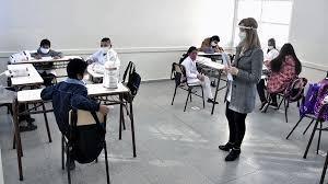 Imagen de El Gobierno prevé vacunar contra el Coronavirus a docentes en febrero