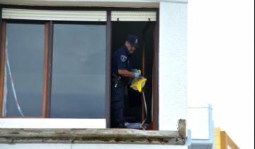 Imagen de Se derrumbaron balcones en un edificio en Villa Gesell