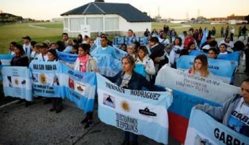 Imagen de Familiares de víctimas del ARA San Juan rechazan la presencia de Macri en el acto del 2º aniversario