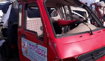 Imagen de Choque y vuelco en la Autovía 2: un micro y un motovehículo involucrados
